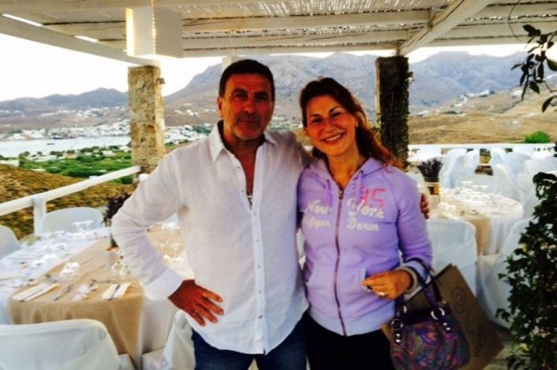 Summer Top: Ξαναβρήκα με μεγάλη χαρά τον παλιό συμπαρουσιαστή μου ειδήσεων Θανάση Αθανασιάδη επιτυχημένο & χαρούμενο ξενοδόχο με τις «Ρίζες» του στη Σέριφο – Restart χωρίς ΤV!! (φωτό)