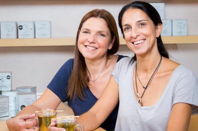Made In Greece τα ευωδιαστά αφεψήματα Anassa Organics – Δημιουργοί τους οι φίλες από την τράπεζα, Γιάννα & Αφροδίτη που σαρώνουν τα βραβεία