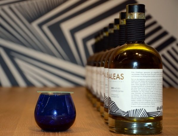 Made In Greece το Maleas Olive Oil: To Harrod's ''υποκλίνεται'' στο δημιούργημα του Γ.Κοροπούλη – Χρυσά βραβεία για το ''πάντρεμα'' Κορωνεϊκης & Αθηνοελιάς
