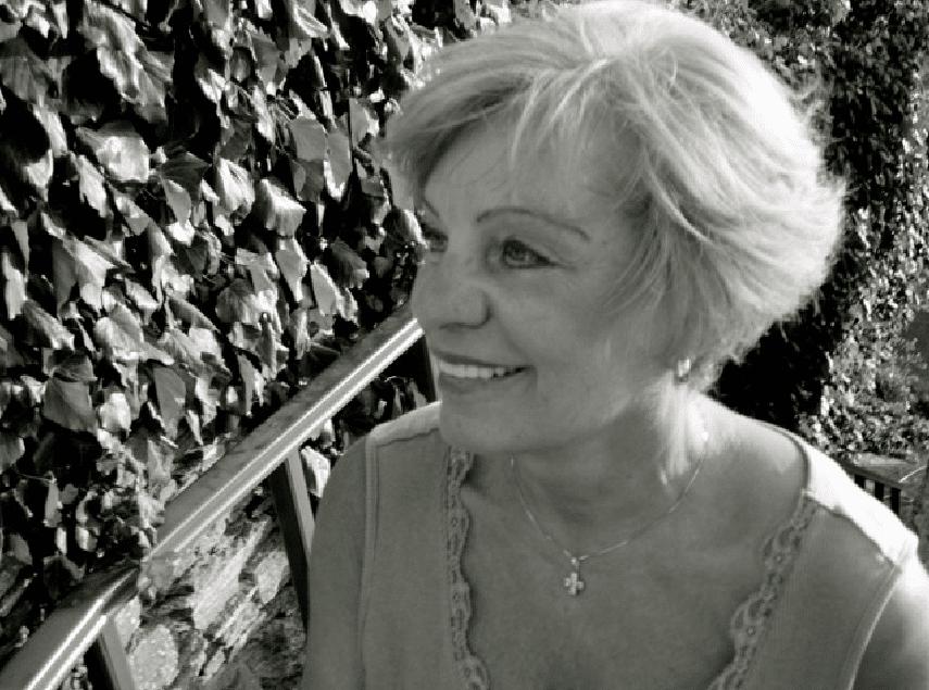 Ραλλού Κούση- Η διαφημίστρια καριέρας έγινε αγιογράφος- Τυρκουάζ και κοράλλι στις μορφές των αγίων της