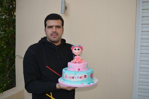 Mιχαήλ Κυριαλλίδης – Ο αυτοδίδακτος Pastry Chef που αφιερώνει 12 ώρες για κάθε παιδική τούρτα, ουάου!
