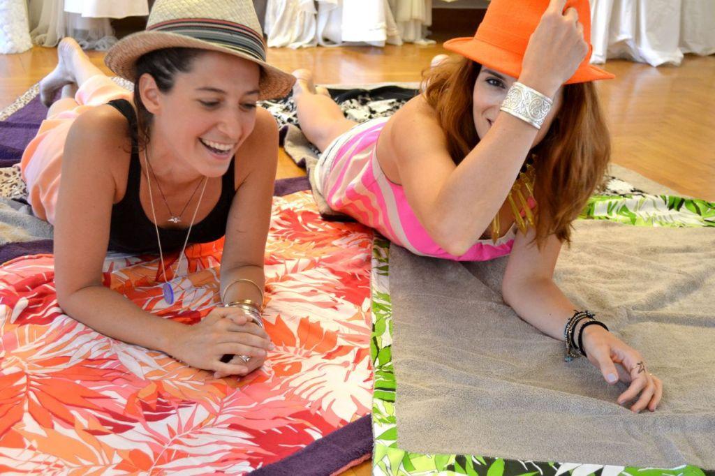 Made In Greece τα «Sun Of A Beach» – Η Έλλη & η Μελίνα κατακλύζουν την αγορά με Chic & Funky πετσέτες θαλάσσης