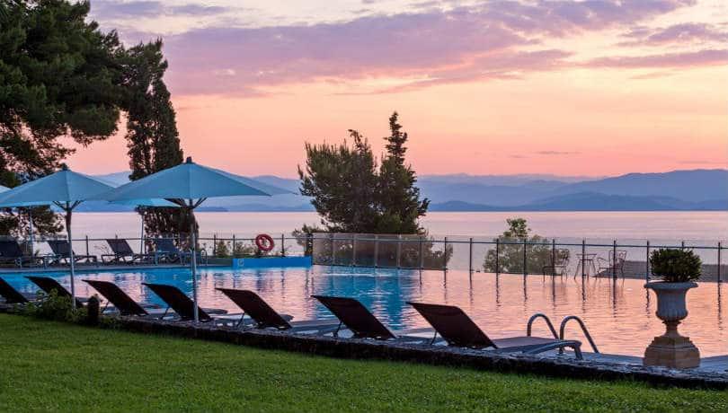 Πνιγμένο στο πράσινο & μια ανάσα από την Κέρκυρα το θαυμάσιο Kontokali Bay Resort & Spa