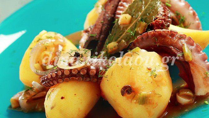 Πεντανόστιμο χταποδάκι στην κατσαρόλα με πατάτες- Από την Ντίνα Νικολάου