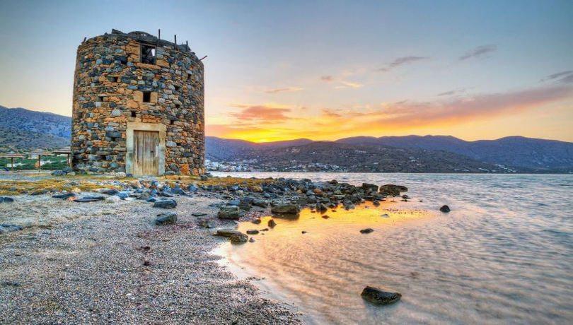 Βίντεο – Στη μαγεία της Κρήτης αφεθείτε με την ματιά του γερακιού – Απάτητες παραλίες & κρυμμένα μυστικά από ψηλά