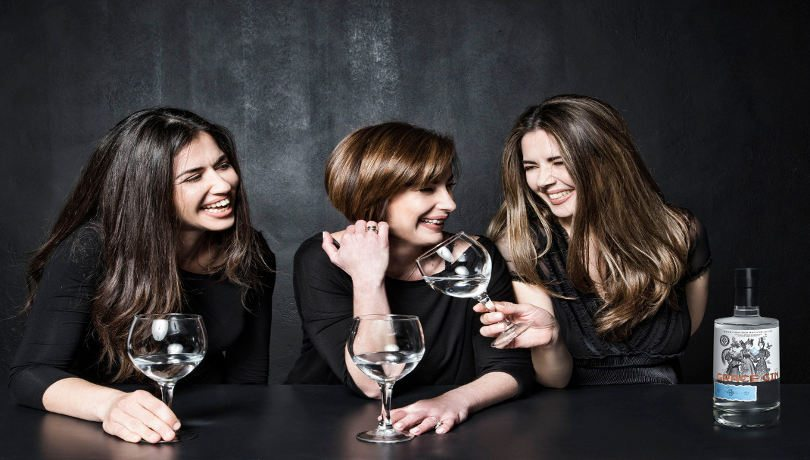 Grace Gin: Ένα ελληνικό τζιν με ελληνικά βότανα από 3 δυναμικές γυναίκες – Ενθουσιασμός στα μπαρ – Αποκλειστικό