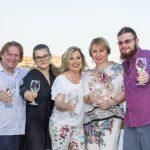 Η Ντίνα Νικολάου στο Pont της Ελούντας – Της εμπιστεύτηκαν την κουζίνα δυο Ρώσοι μεγαλοεπιχειρηματίες & εκείνη ξέρει…