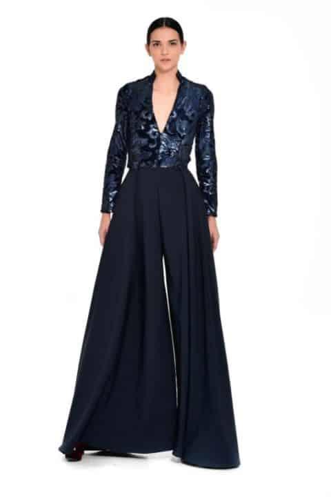 f52527f8a53 Στη δυναμική και ανεξάρτητη γυναίκα που μέσα από το ρούχο θέλει να  αναδείξει το χαρακτήρα ...