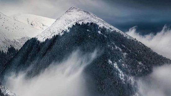 Όλυμπος: Επιβλητικό & αγέρωχο το χιονισμένο βουνό σου κλέβει την ανάσα