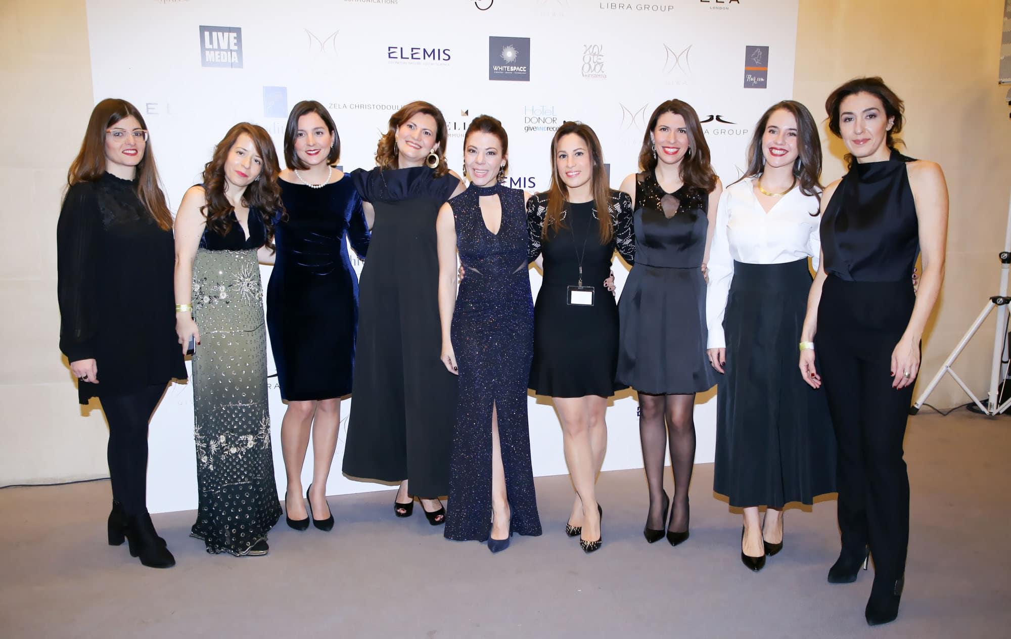 Η οργανωτική επιτροπή GIWA. Από αριστερά προς τα δεξιά:  Ηρώ Κουτσιούμπα, Γεωργία Γαβριηλίδου, Φωτεινή Βογιατζή, Νάγια Μπολτέτσου, Σοφία Κωνσταντοπούλου, Τζοάννα Γαλάνη, Μάρμο Συρίγου, Ιωάννα Πασχαλίδου, Χριστίνα Φωτεινέλλη.