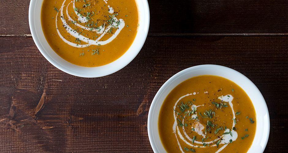 Χωρίς «σου πα – μου πες» : Σούπα με γλυκοπατάτα και καρότα από τον Άκη- Σούπερ για τις κρύες μέρες