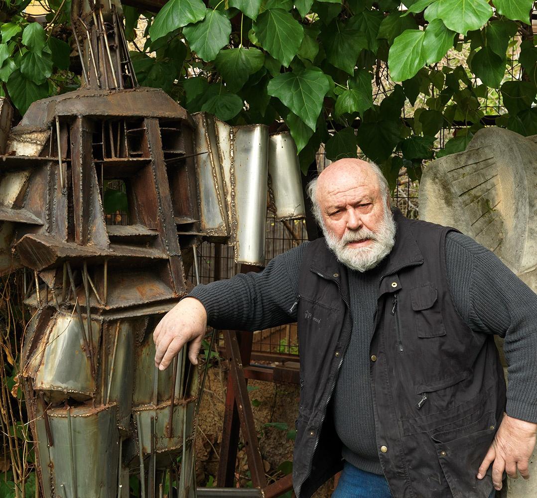 Αποκλ.: Ο κορυφαίος γλύπτης Γιώργος Χουλιαράς στο Made In Greece σε μια συνέντευξη ποταμό – Για την Ελλάδα των 4 εποχών και τη σύγχρονη τέχνη (ΦΩΤΟ)