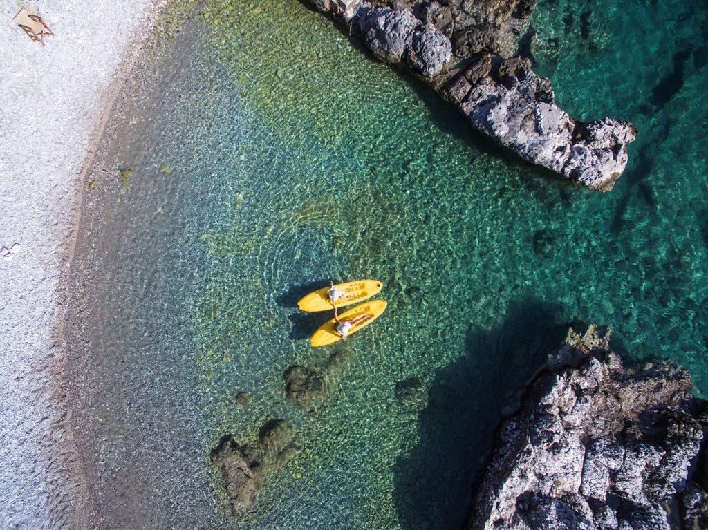 Η παραλία Κυπαρίσσι έγινε έργο τέχνης – Φωτογραφία της ημέρας από τη Μαρίνα Βερνίκου