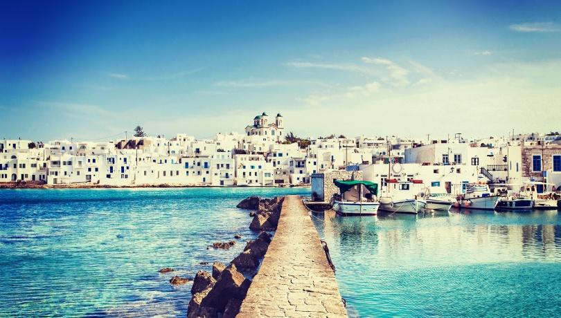 Ζήστε ένα κυκλαδίτικο παραμύθι στα σοκάκια και τις παραλίες της Πάρου