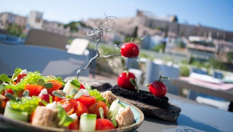 Η Le Figaro υμνεί τα ελληνικά εστιατόρια στο Παρίσι: H Ντίνα Νικολάου, ο Ανδρέας Μαυρομμάτης, ο Αλέξανδρος Ράλλης… ΦΩΤΟ