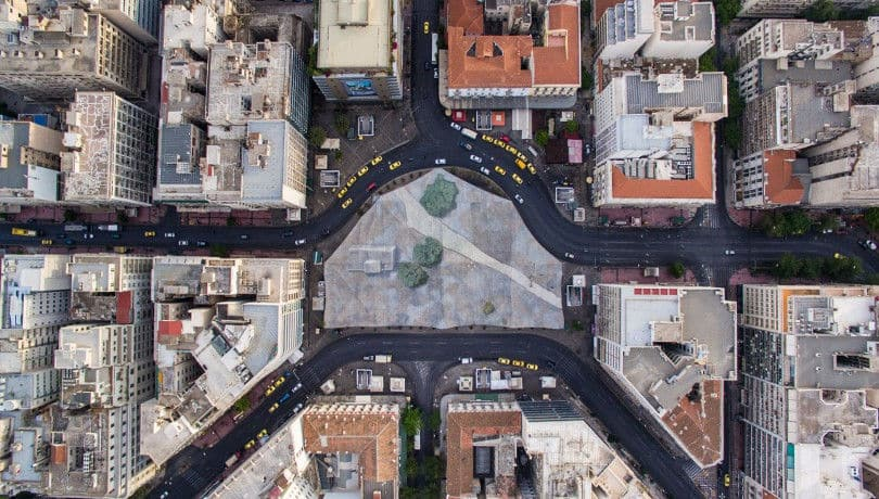 Καλημέρα Αθήνα! Ένα καταπληκτικό βίντεο με πλάνα από ψηλά από την Ομόνοια & την Πλατεία Κάνιγγος