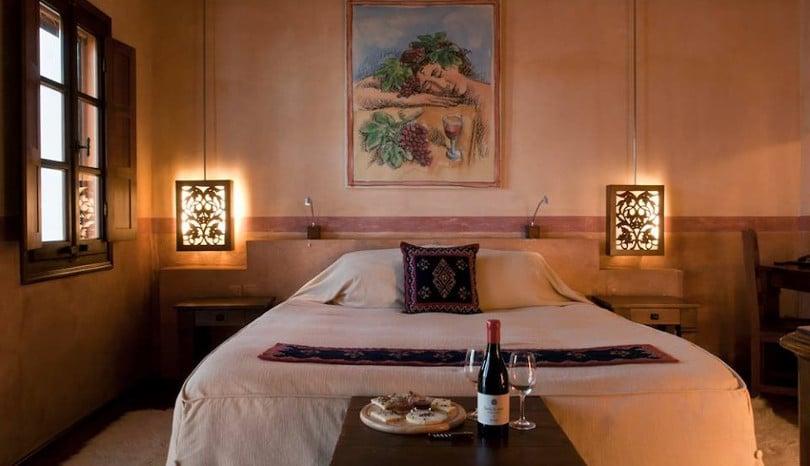 Hotel Κατώγι Αβέρωφ: Πέτρα, ξύλο, πολυτέλεια, αρώματα μούστου & αέρας μεσογειακής κομψότητας στο Μέτσοβο