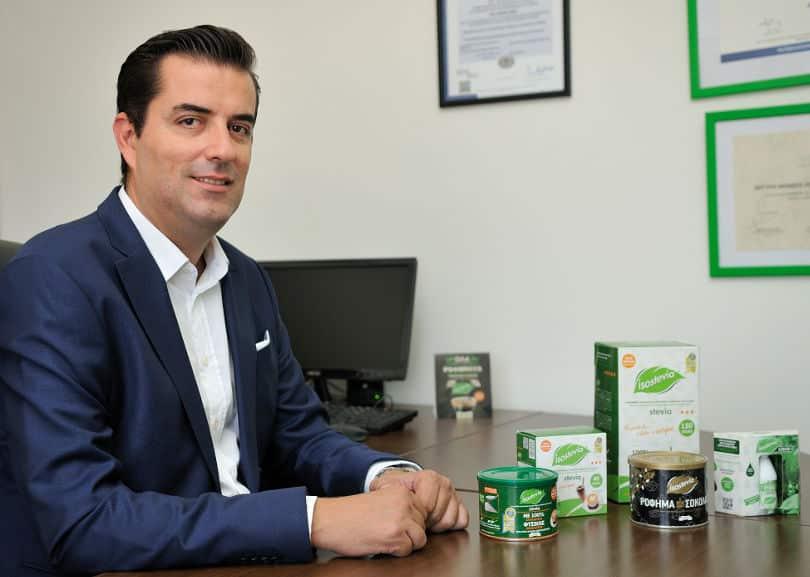 Αποκλ. – Made In Greece η Isostevia & ο Αντώνης Παναγώτας: Φυτικά προϊόντα στέβιας από ένα οικογενειακό εργοστάσιο στη Λιβαδειά – Τα μοναδικά βραβευμένα με 3 χρυσά αστέρια γεύσης