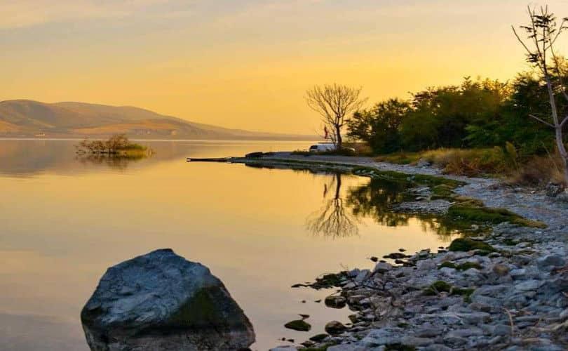 Λίμνη Βεγορίτιδα Πέλλας: Κάθε γωνιά αυτής της γης και μία μικρή έκπληξη – Απίθανο τοπίο στη φωτογραφία της ημέρας