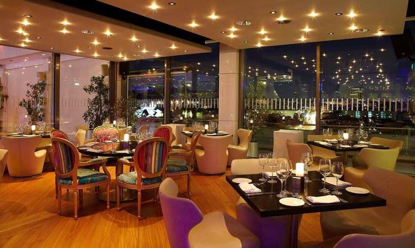 Το Aethrion all-day lounge bar θα καλωσορίσει τον νέο χρόνο με προτάσεις  για wine pairing και ζωντανή μουσική πιάνου από τον Κάρολο Μαυρογένη 0b56341b67e
