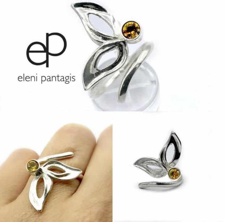 Αυτή τη στιγμή σχεδιάζει τη νέα της συλλογή από όμορφα κοσμήματα με την  ομάδα των τεχνιτών της και τα εργαστήρια τους στην Αθήνα. 281cedecac6
