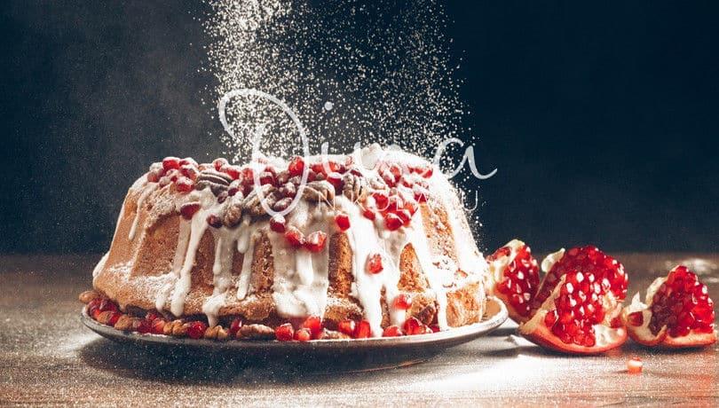 Ντίνα Νικολάου: Μοσχοβολιστό κέικ με άρωμα μανταρίνι, καρύδια & ρόδι