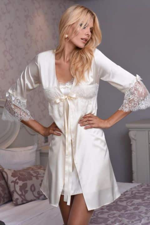 Made in Greece η Miss Rosy  Η ελληνική εταιρεία με τα κομψά ... cb5f1600afb