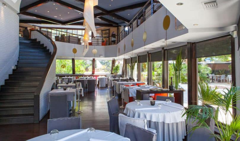 Όμικρον: Εκλεπτυσμένες γεύσεις δίπλα στο τζάκι – Ένα Elegant εστιατόριο στα Βόρεια Προάστια
