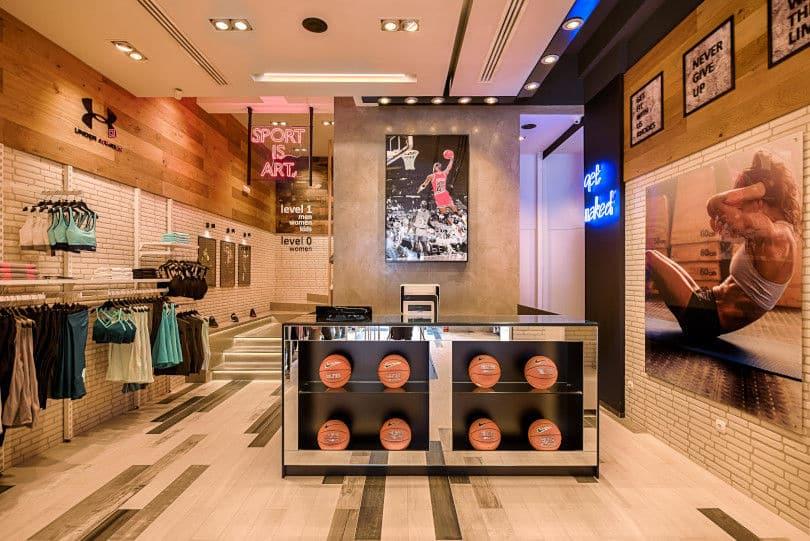 "a74e7e67ec2 Πλέον η ""Σαββόπουλος Shop Fitting"" δραστηριοποιείται στην παραγωγή  εξειδικευμένων συστημάτων εξοπλισμού και επίπλωσης για εμπορικά καταστήματα  (retail), ..."