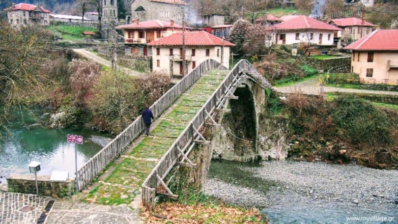 Γέφυρα Βοβούσας (Αλέξης Μήσιος 1748) του ποταμού Αώου στην Βοβούσα Ιωαννίνων