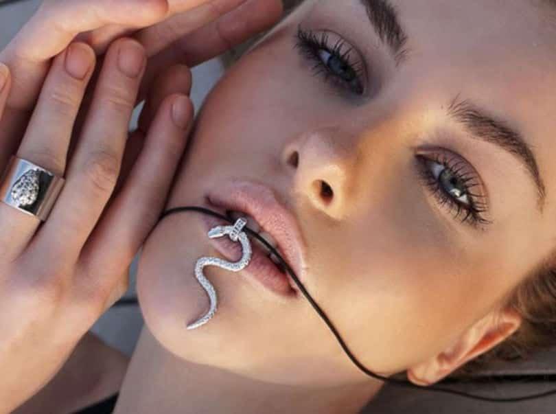 Made In Greece τα Unisex κοσμήματα της Μαρίνας Αγγελάκη: Εκλεπτυσμένα σχέδια σε χρυσό ή ασήμι σε μίνιμαλ συνδυασμούς