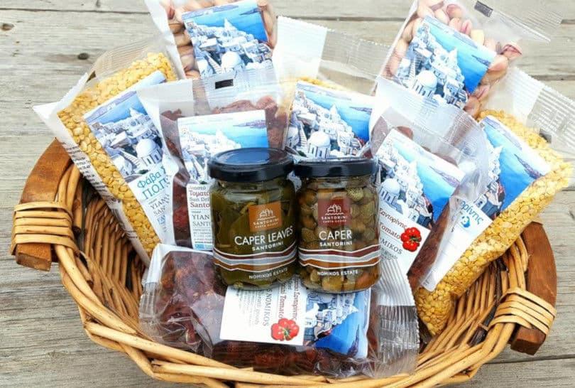 Made In Greece το Αγρόκτημα του Γιάννη Νομικού: Φάβα, τοματάκι, κελυφωτό φιστίκι & κάπαρη από τη χαρισματική γη της Σαντορίνης