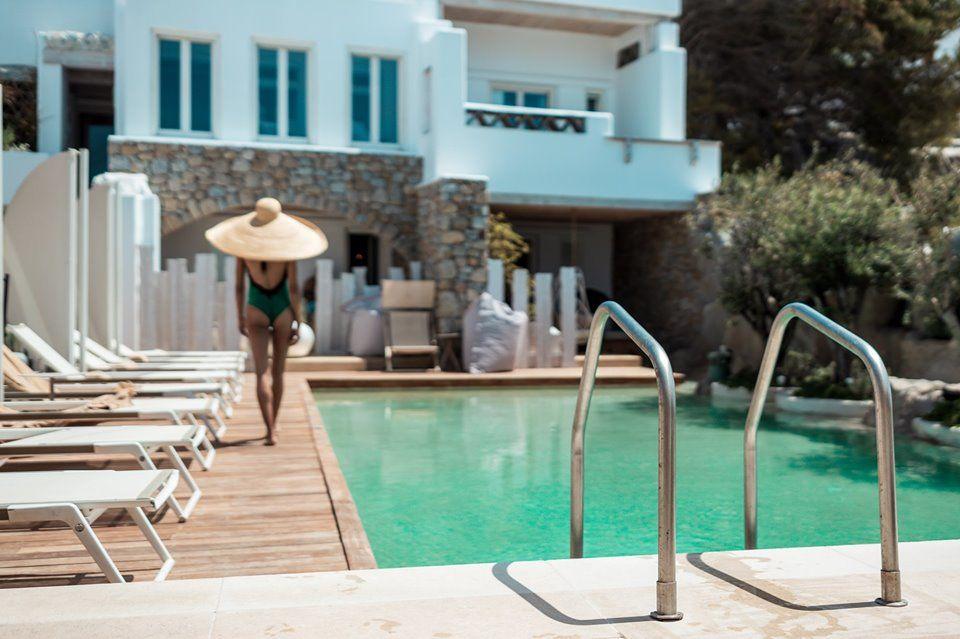 Kenshō Boutique Hotels & Villas: Πολυτελή δωμάτια & σουίτες της Μυκόνου με φυσική πέτρα, παλαιωμένο ξύλο & ανεμπόδιστη θέα στη θάλασσα