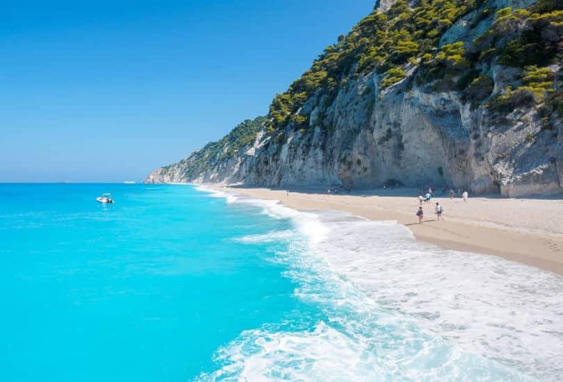 Λευκάδα: Απέραντο Ιόνιο, καταγάλανα νερά σε μαγευτικό τοπίο – Απίθανη η φωτογραφία της ημέρας