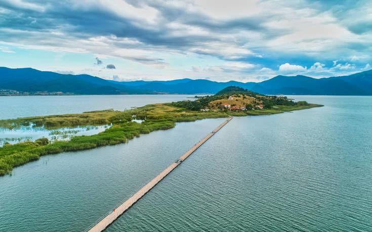 Μικρή & Μεγάλη Πρέσπα, οι δύο ελληνικές λίμνες συναγωνίζονται τις καλύτερες του κόσμου