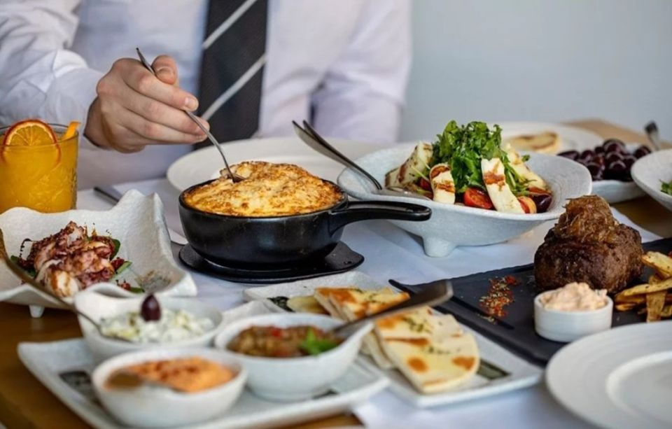 Τι δουλειά έχουν η Μύκονος & η Σαντορίνη στο Κατάρ; – «Made In Greece» γεύσεις στην καρδιά της Ντόχα (φώτο)
