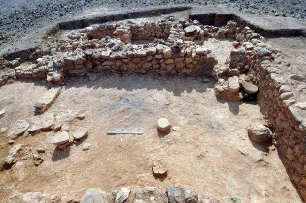 Σπουδαία αρχαιολογική ανακάλυψη: Πορφύρα, χρυσά κοσμήματα & μινωικοί θησαυροί στο φως στη νήσο Χρυσή Λασιθίου (φώτο)
