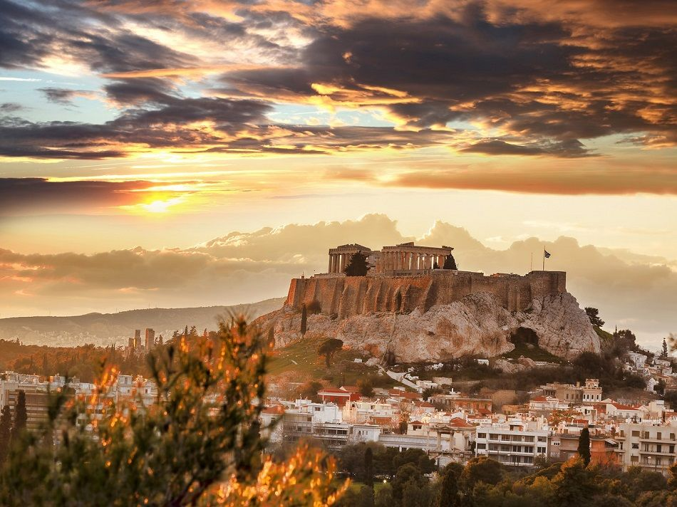 Conde Nast Traveller: Η Αθήνα ανάμεσα στους καλύτερους ταξιδιωτικούς προορισμούς για το Νοέμβριο (φώτο)