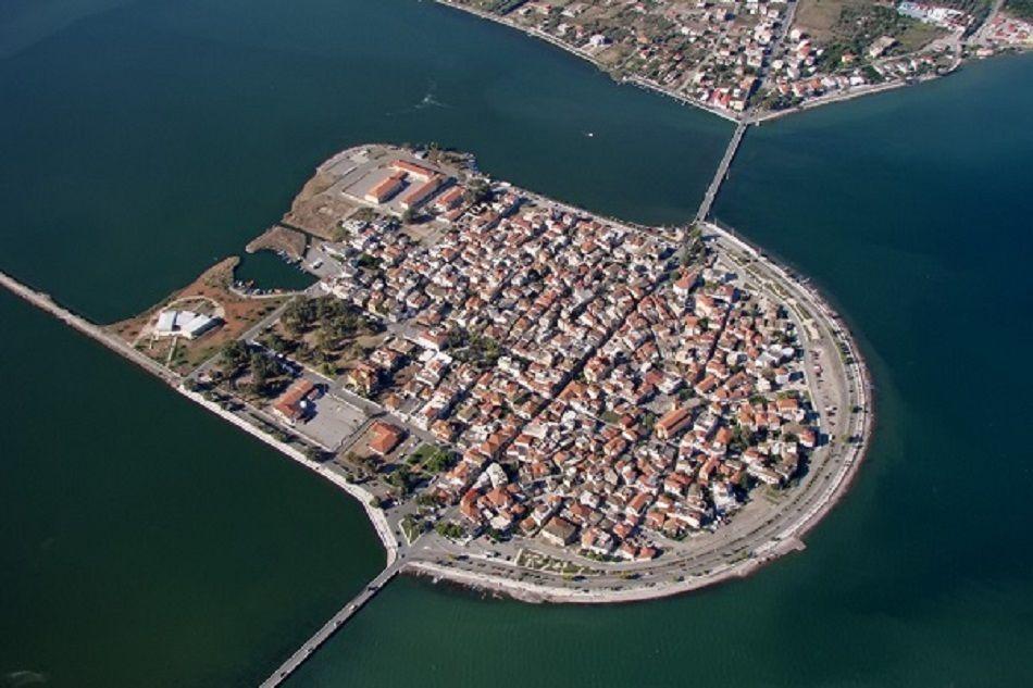 Βίντεο της Ημέρας: Το πανέμορφο Αιτωλικό – Η μικρή Βενετία της Ελλάδας- Δείτε την πλωτή μούσα του Κ. Παλαμά από ψηλά
