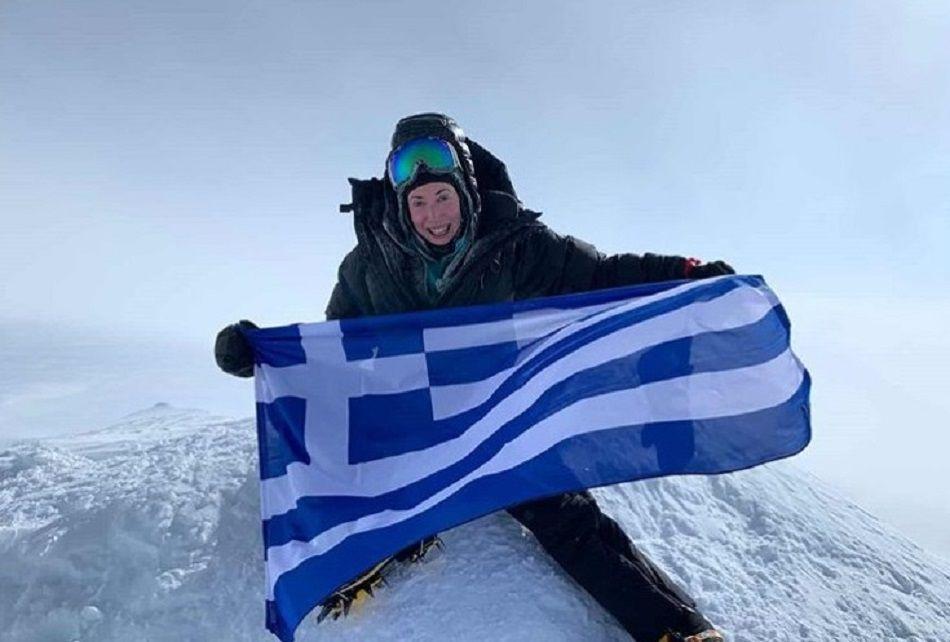 Topwoman η Χριστίνα Φλαμπούρη: Η πρώτη Ελληνίδα που πέτυχε το «7 Summits» με ανάβαση στην ψηλότερη κορυφή κάθε Ηπείρου (φώτο)