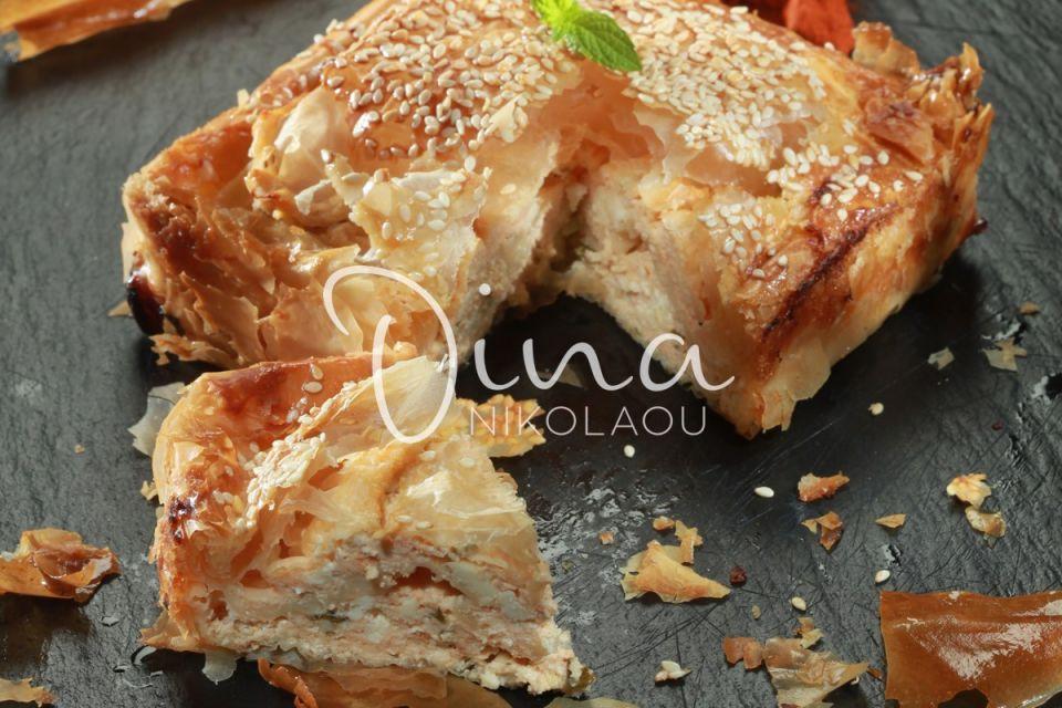 Η Ντίνα Νικολάου μας ενθουσιάζει: Θεσπέσια η ελαφριά τυρόπιτα με κατίκι Δομοκού – Δεν θα μείνει μπουκιά