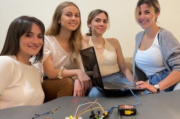 H Αρίστη, η Ελένη, η Κωνσταντίνα- Μαρία & η Ιωάννα: Οι 4 φοιτήτριες και το Smat τους, ένα έξυπνο χαλί για γυμναστική με στόχο! (Φωτο)
