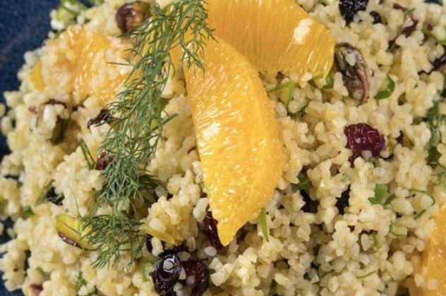 Σαλάτα με πλιγούρι, πορτοκάλι & κράνμπερι από τον Γιάννη Λουκάκο
