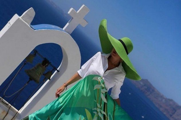 C Manolo: Εντόπισα σε νησί το ωραιότερο, νομίζω, Made In Greece Brand