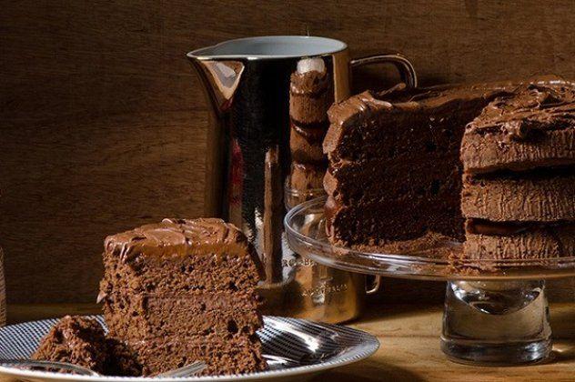 Κέικ σοκολάτας γεμιστό με τσοκοπάστα