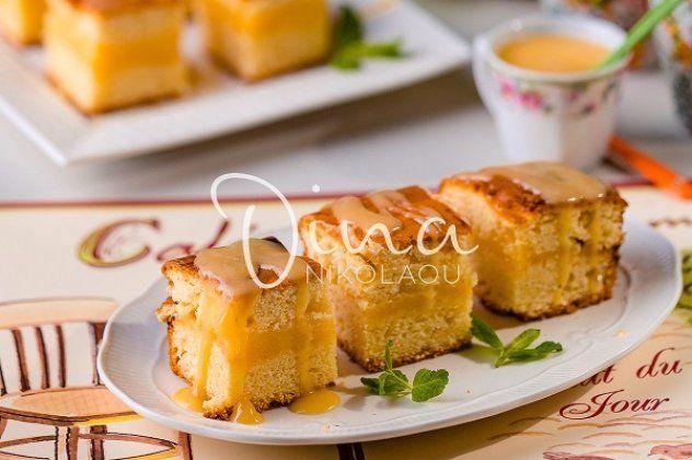 κέικ γεμισμένο με κρέμα λεμόνι από τη Ντίνα Νικολάου