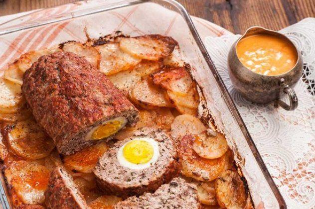 Η Αργυρώ Μπαρμπαρίγου προτείνει: Ρολό κιμά με αυγά